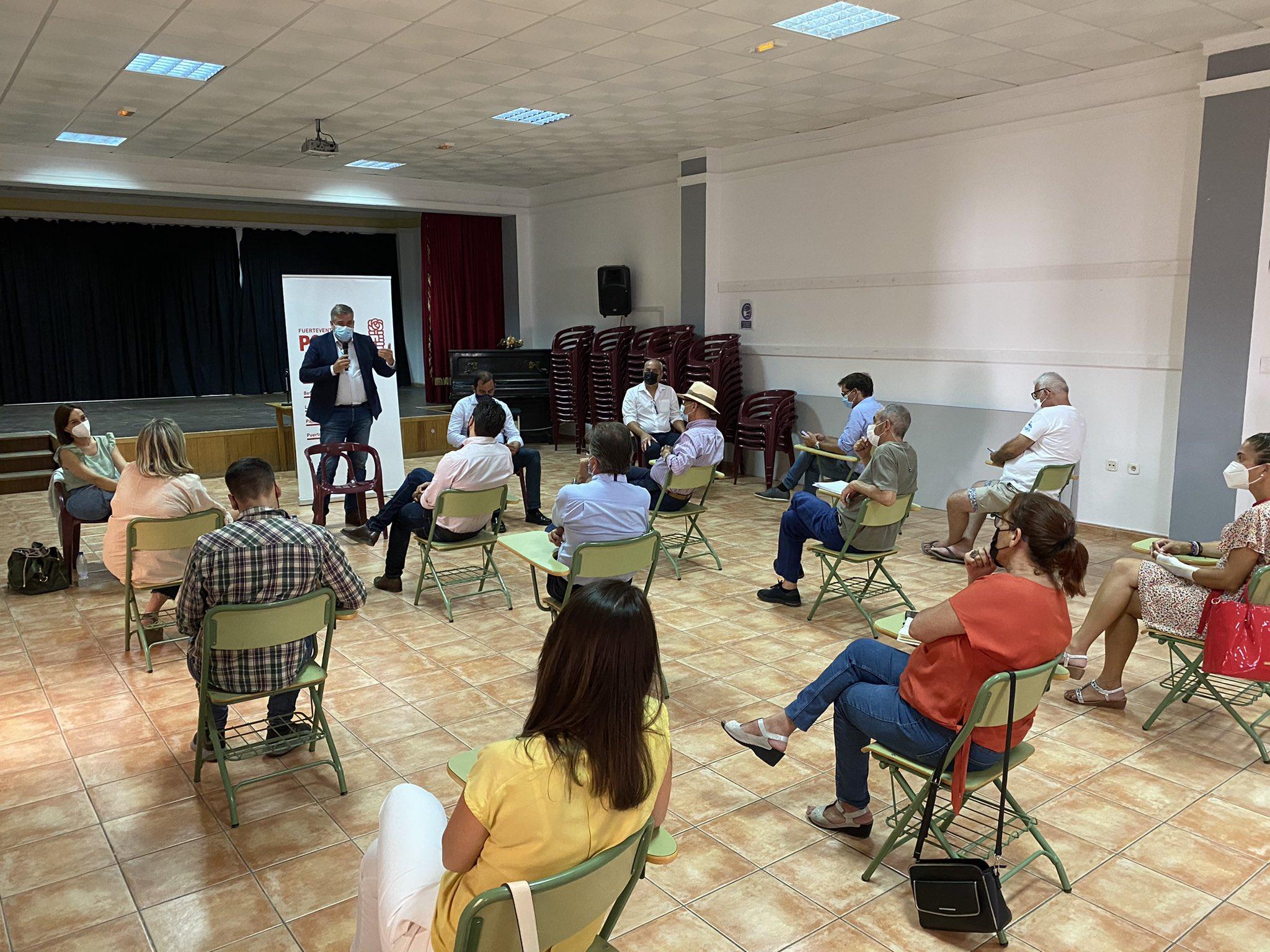 E3ieUU-WUAAZ7l1 PSOE Canarias se reúne con la militancia de Fuerteventura