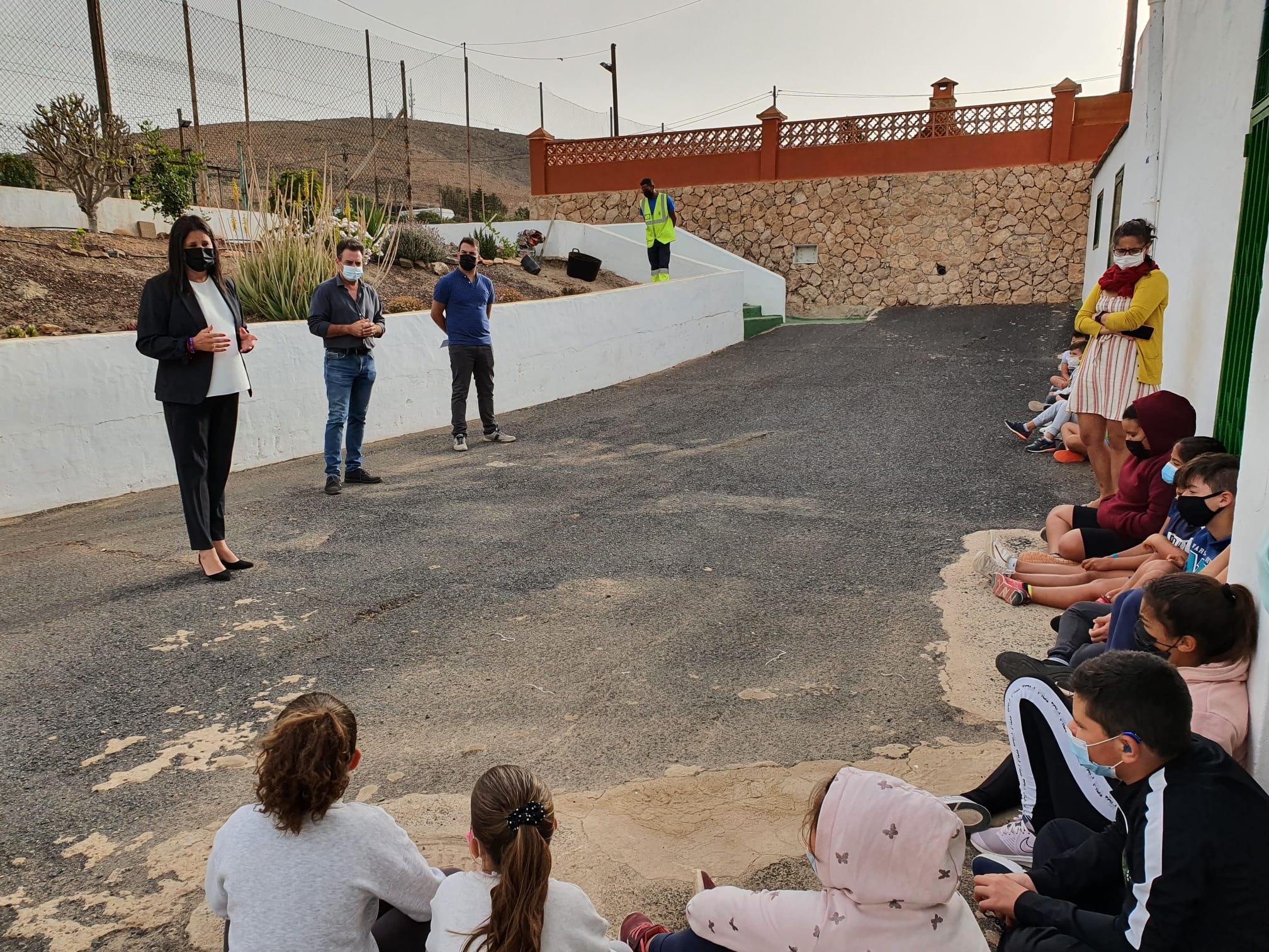 MMAA-2 Escolares de Tuineje plantan vegetación por el Día Mundial del Medio Ambiente