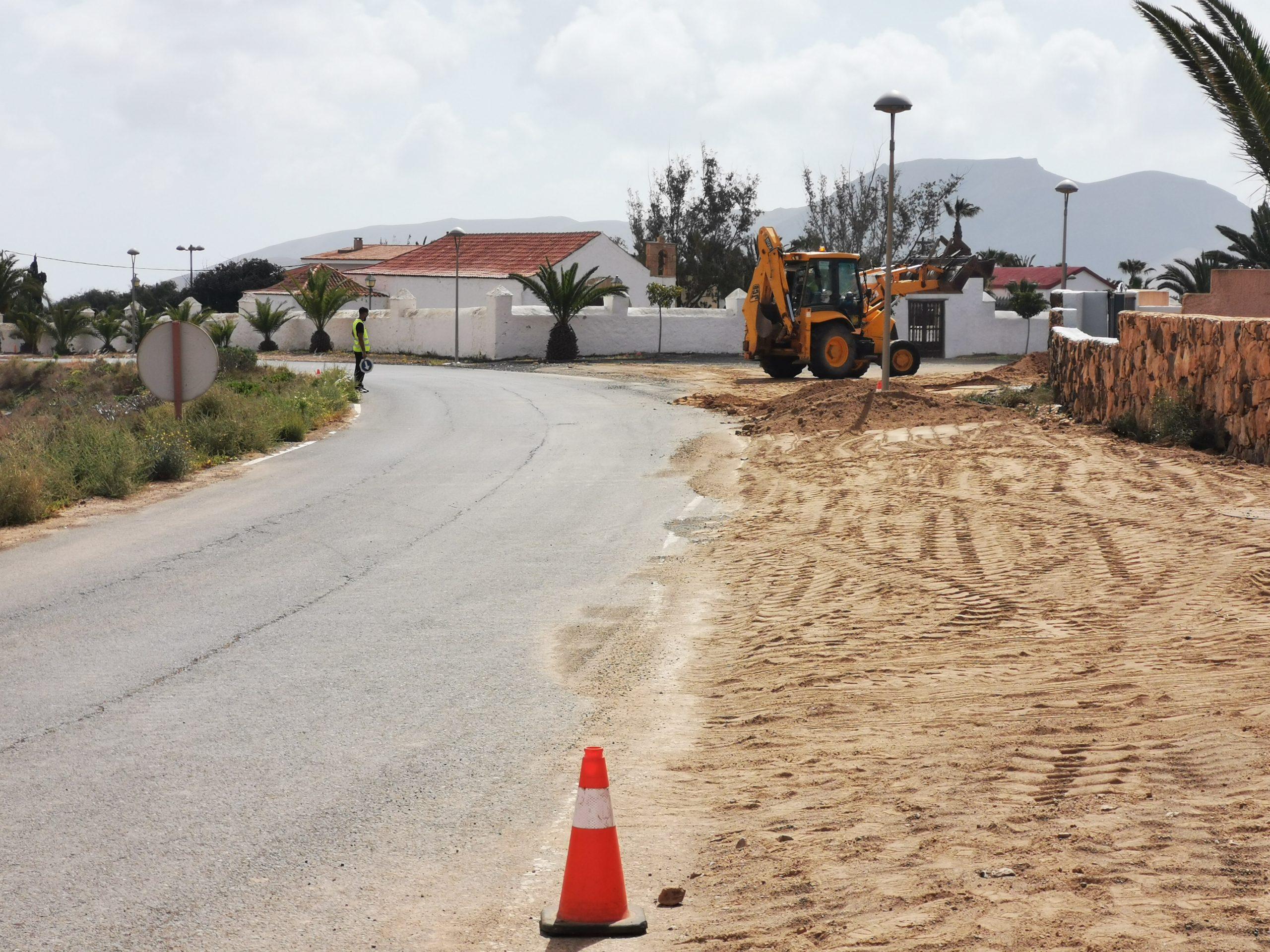 imagen-de-obras-en-ejecucion-en-Triquivijate-2021-scaled Más de 60.000 euros para el saneamiento en Triquivijate