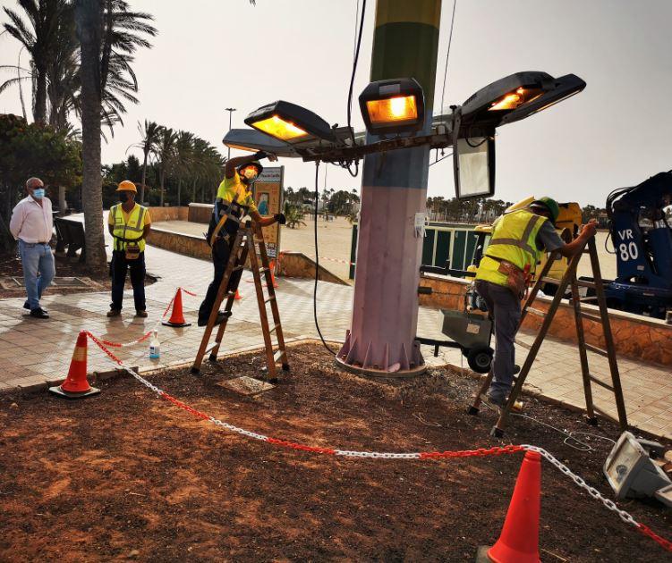luminarias-2 Se arregla la iluminación del paseo de El Castillo