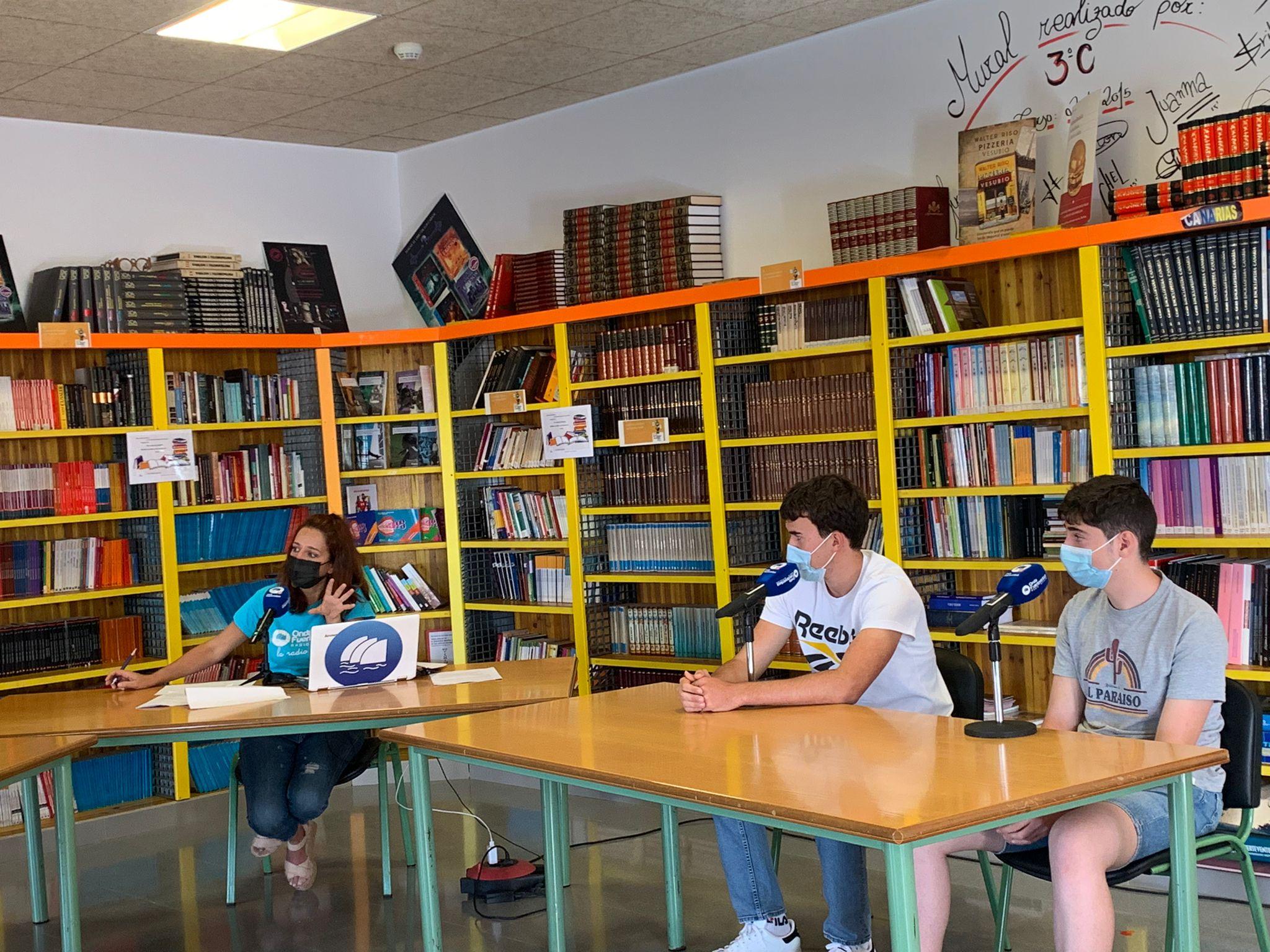 mas-alumnos 'El Magacin' en el IES Puerto del Rosario Rafael Báez