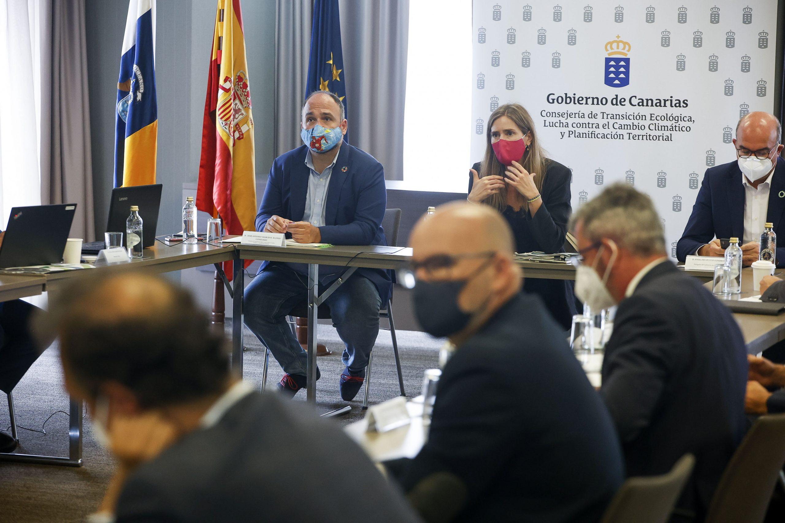 Reunion-1-scaled Canarias recibirá 470 millones para invertir en renovables