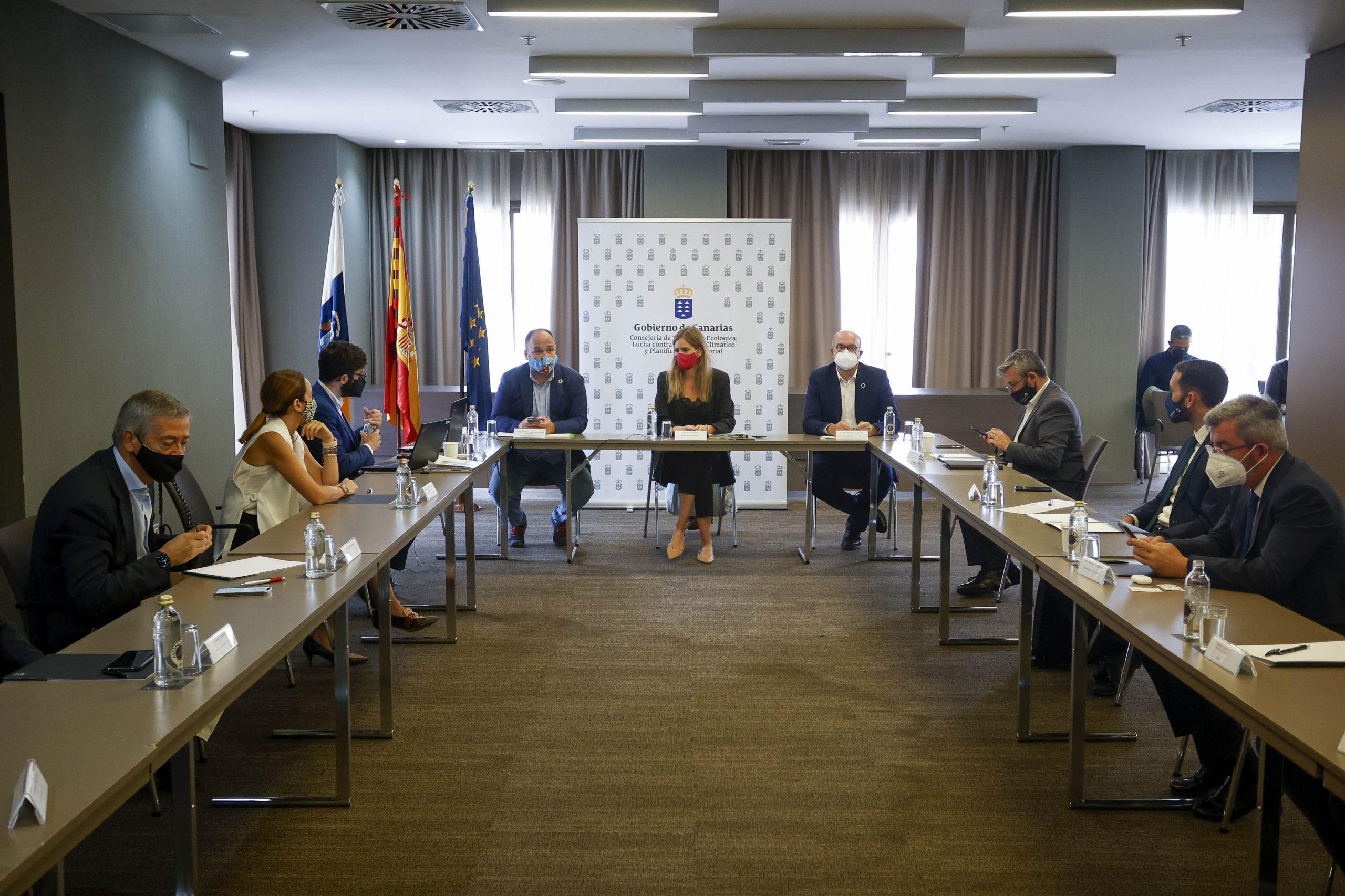 Reunion-3-scaled Canarias recibirá 470 millones para invertir en renovables