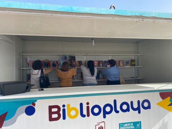 WhatsApp-Image-2021-07-20-at-09.13.01-560x420 Puerto del Rosario inaugura su Biblioplaya
