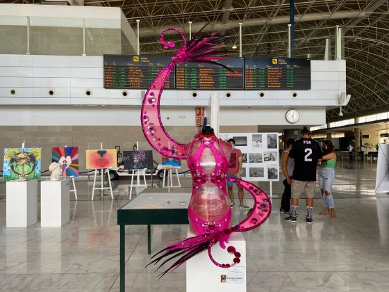 WhatsApp-Image-2021-09-14-at-12.33.44-560x420 Maxo Arte llega al aeropuerto de Fuerteventura