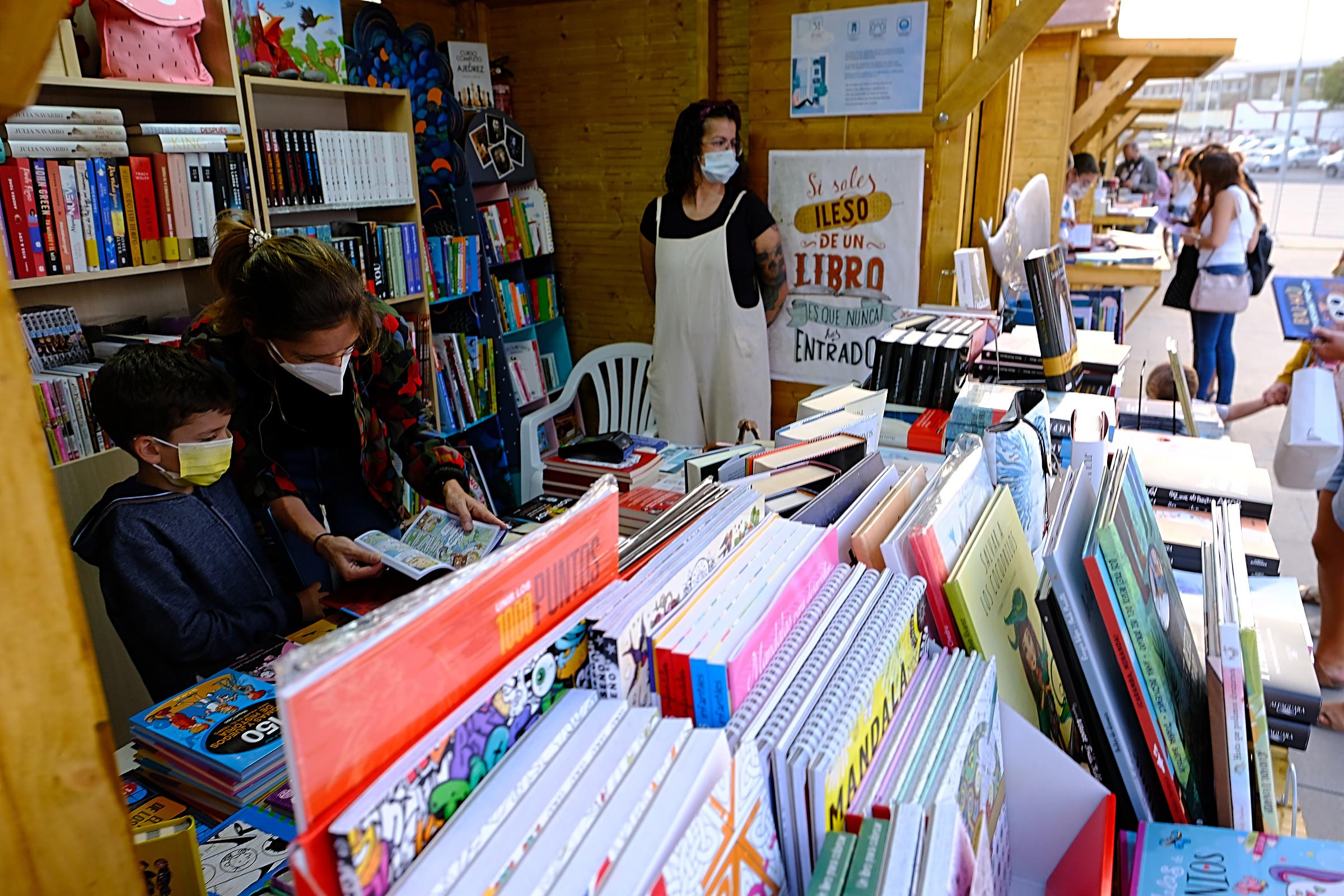 211014_ftv_feriadellibro-25 Arranca la Feria del Libro con el pregón de Cecilia Domínguez